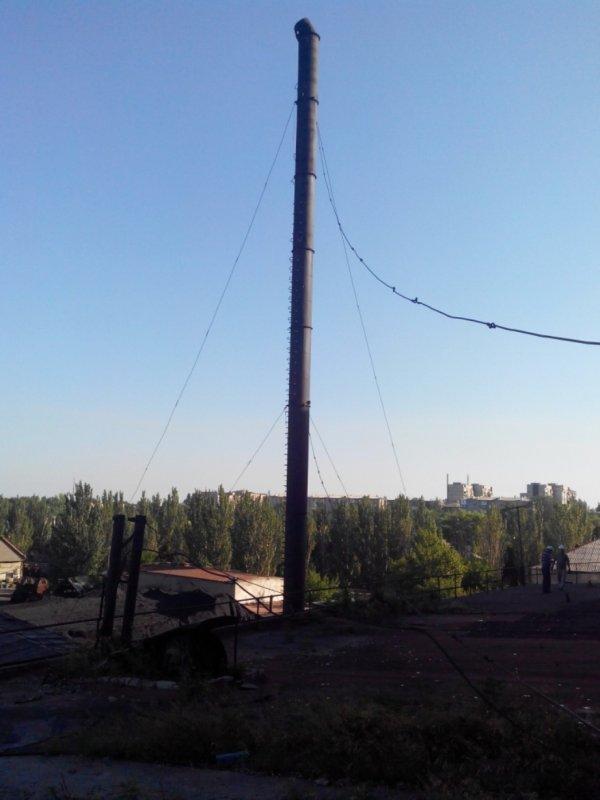 Заказать Демонтаж аварийной дымовой трубы высотой 46 метров