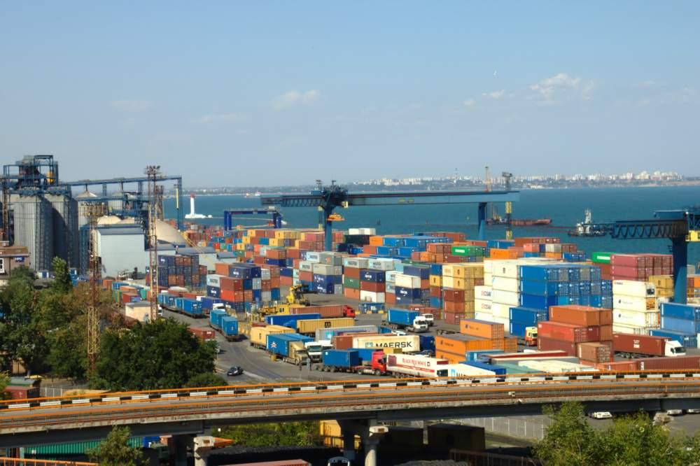 Заказать Транспортировка контейнеров по ж / д в / из портов Одесса, Южный, Черноморск