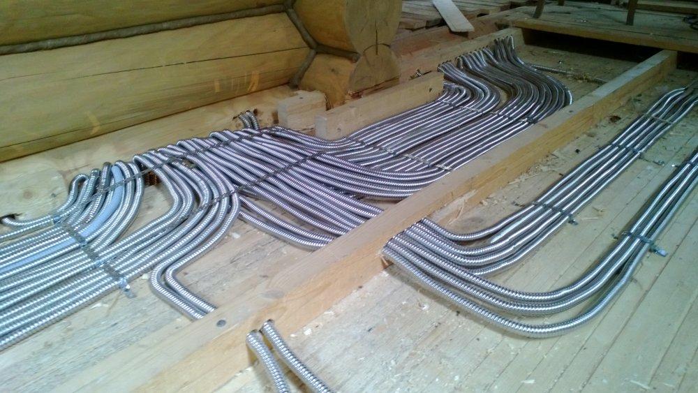 Прокладка кабелей и труб