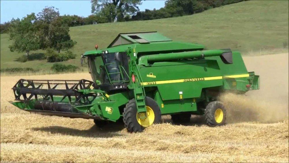 Заказать Надаємо послуги по збиранню зернових та бобових комбайном ДжонДір