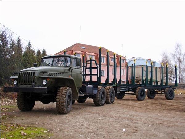 Заказать Услуги лесовозом УРАЛ 4320 с манипулятором по Львовской области