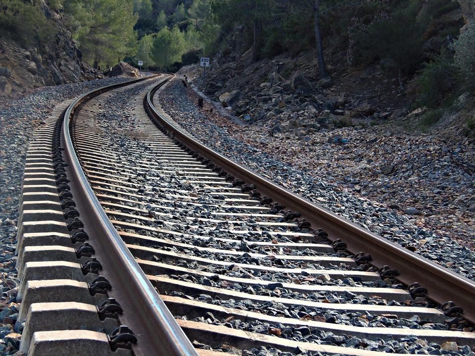 Заказать Строительство железной дороги и стрелочных переводов