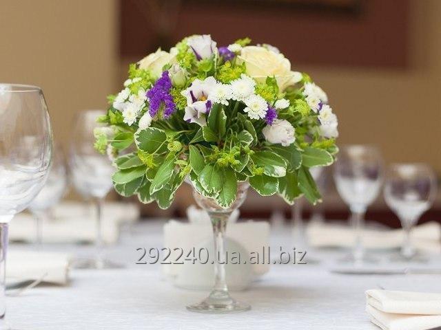 Заказать Оформление свадеб живыми цветами