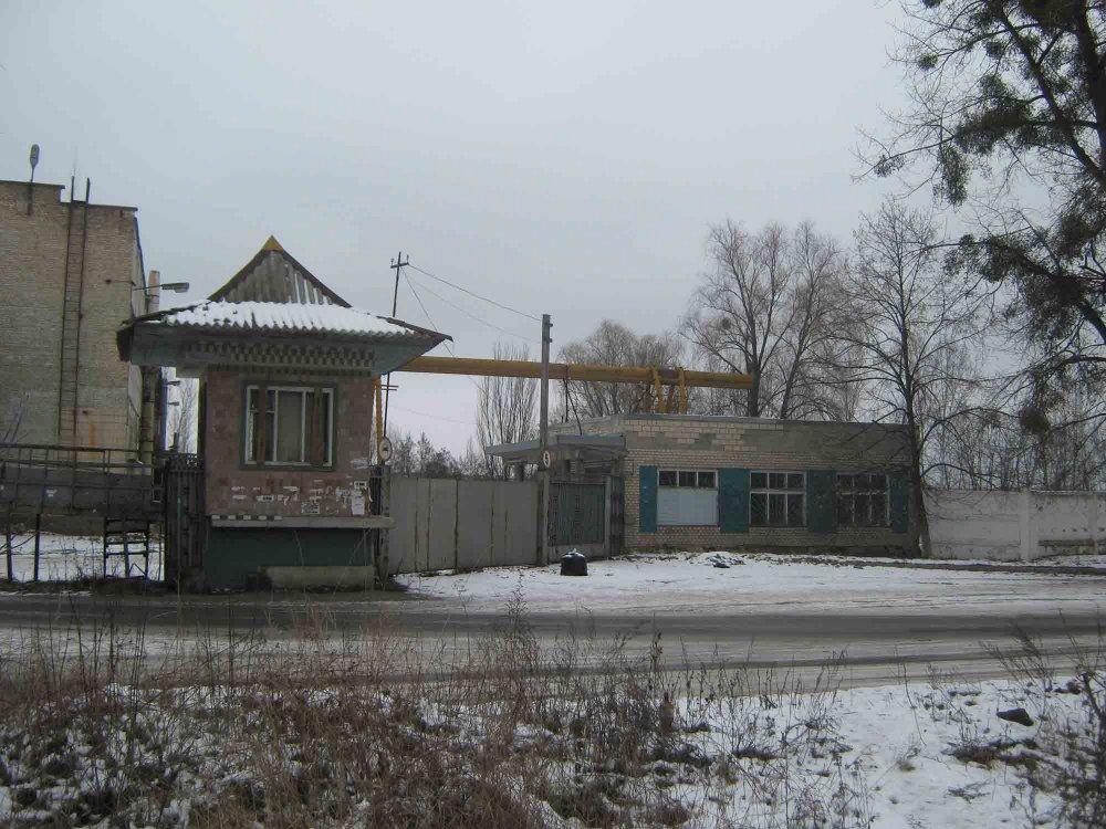 Заказать Два кирпичных здания ( на фасаде ), город Ирпень, центр, Киев 9 км