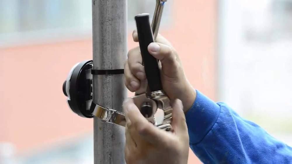 Заказать Установка внешней или антивандальной камеры на столб с монтажом крепления камеры (IP, аналоговая, HDCVI)