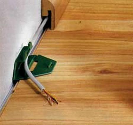 Заказать Прокладка кабеля в плинтусе и элементах декора, а также дру-гие усложненные способы прокладки