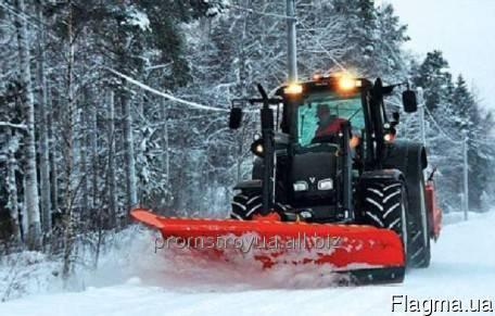 Заказать Уборка снега тракторами