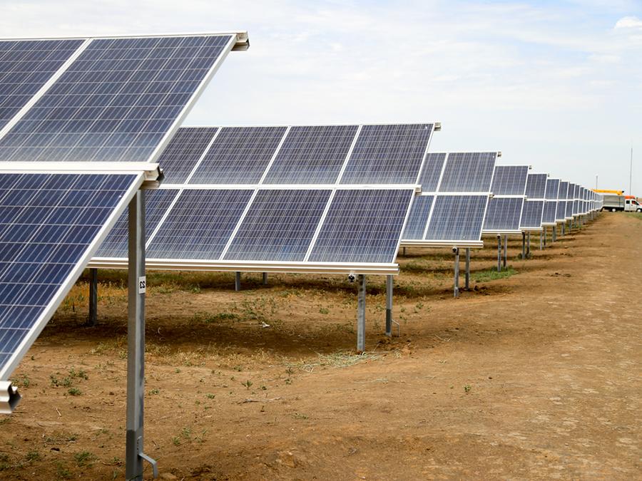 Заказать Монтаж солнечных электростанций (СЭС)