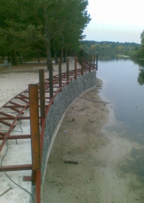 Заказать Укрепление берегов озера и плавустройств