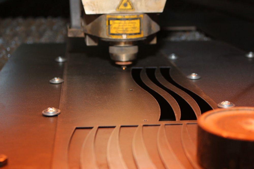 Заказать Лазерная резка металла. Услуги лазерной обработки металла. Гравировка.