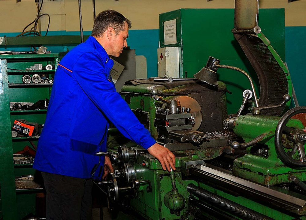 Заказать Токарные работы и токарно - фрезерные работы. Работаем по всей Украине
