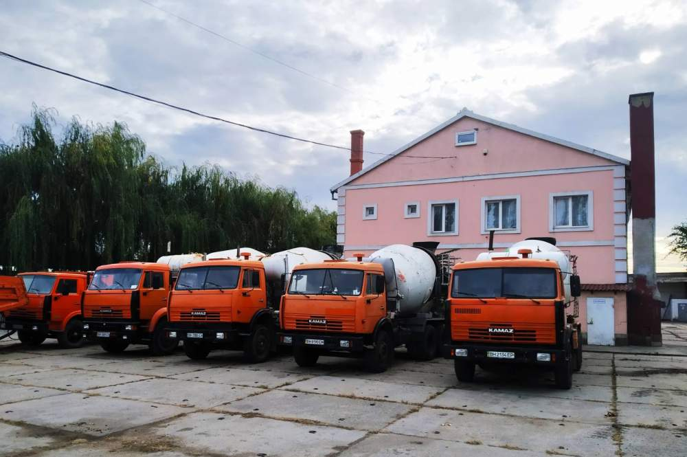 Order Lease of construction vehicles and equipment