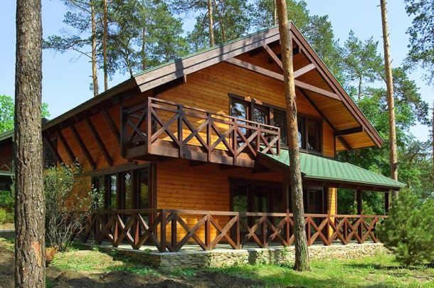 Заказать Отдельно стоящий двухэтажный дом с тремя раздельными комнатами на втором и просторной уютной гостинной на первом этаже. Forest view