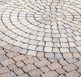 Заказать Работы по укладке тротуарной плитки