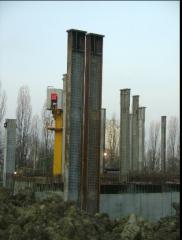 Приварка гибких упоров на колонны, при