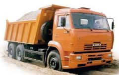 Crushed stone delivery automobile