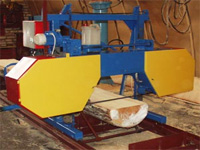 Wood cutting by a tape power-saw bench
