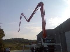 Rent of the concrete pump arrow of 36 m.