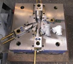 Production of compression molds under the order