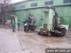 Dismantle of machines and old equipmen