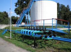 Монтаж резервуаров для хранения нефтепродуктов.