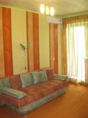 Apartments for rent, by the day and pochasovo in