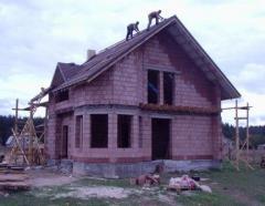 """Строительство загородных домов. Проектирование и cтроительство коттеджей """"под ключ"""". Кладка: кирпич, блок, керамический блок, пеноблок, газоблок. Возможность просмотра построенных домов. Цены антикризисные."""