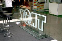 Склейка стекла, в том числе для торговых витрин