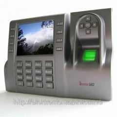Установка систем контроля и управления доступом.