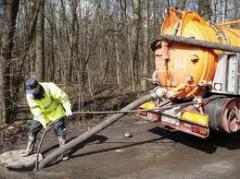 Очищение систем канализации, ловушек, выгребных