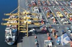 Sea container transportations worldwide, including