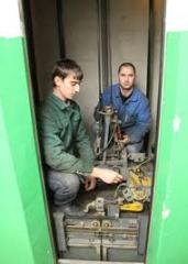 Training, training of elevator operators