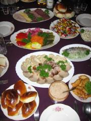 The organization of funeral lunches, Cafe for