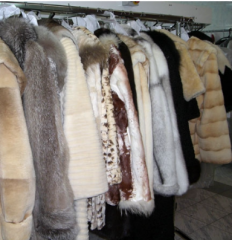 Dry dry-cleaner of fur coats and sheepskin coats