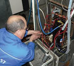 Обслуживание и ремонт торгово-промышленного...