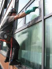 Мойка фасадов зданий, мытье балконов и лоджий,