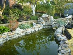 la construccin de los estanques los arroyos las cascadas
