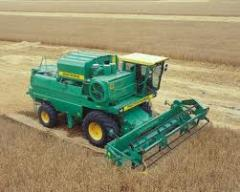Services of cultivation of the land: harvesting with combine harvester