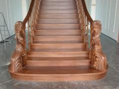 Изготовление деревянных лестниц в Мелитополе