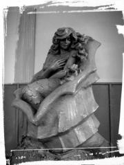 He fountain the mermaid to order from granite