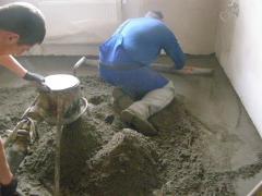 Стяжка из полусухой цементно-песчаной смеси