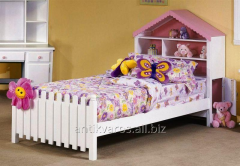 Children's bed, from the massif of a tree of cues