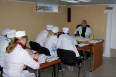 To consultation by training and training,