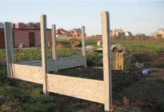 Installation of a concrete fence, Brovara.