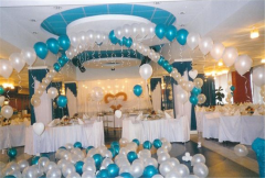Украшение помещений надувными шарами