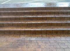 Монтаж лестниц, поручней, ступенек для бассейнов
