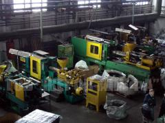 Foundry production of products from plastic