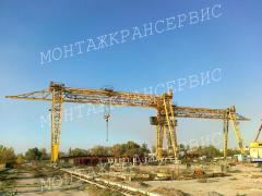 Service technical maintenance of the crane.
