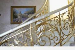 Gilding and silvering of elements of an interior