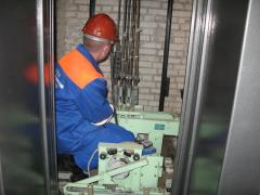 Replacement of springs in mine of elevators